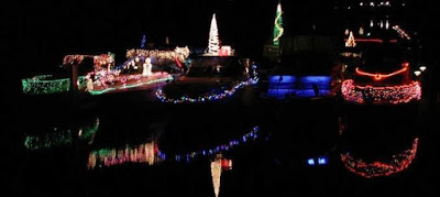 Tri-Cities - Christmas Lighted Boat Parade In Kennewick, Washington