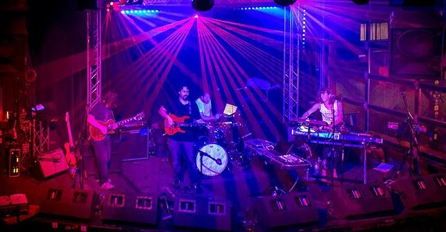 Screens - Electro Trip-Pop From Seattle At The Emerald of Siam Richland, Washington